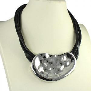 Chunky hammered geometric shape chunky pendant necklace fashion jewellery