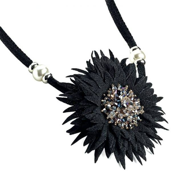 costume jewellery black tone crystal glass bead flower design cord necklace