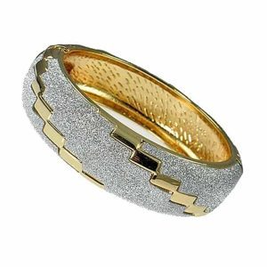 Round stylish gold embossed diamond sparkling glitter women's bangle
