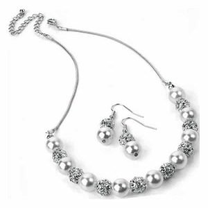 Magnificence of pearl colour & crystal necklace including earrings