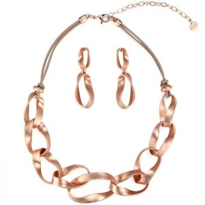 Unique rose gold chain linked on a beige leather necklace and matching earrings