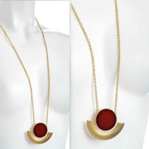 Matt gold colour round pendant chain necklace
